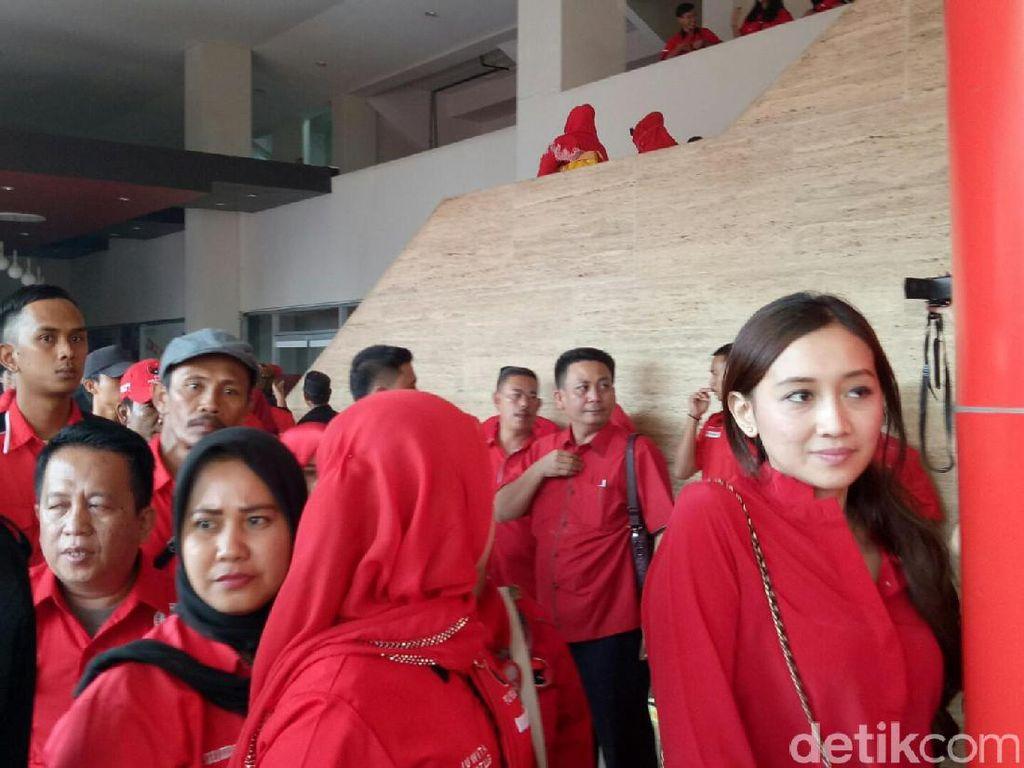 Para kader PDIP se-Sumatera Selatan meramaikan acara konsolidasi ini (Raja Adil Siregar/detikcom)