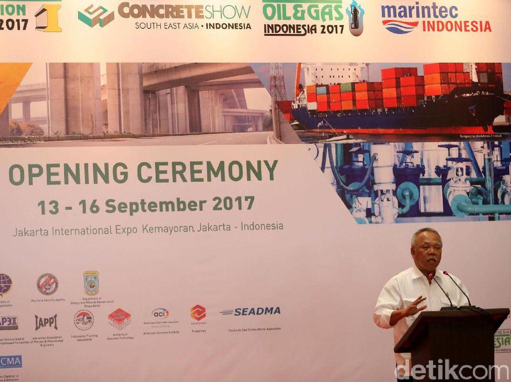Basuki Hadimuljono menyampaikan sambutannya.