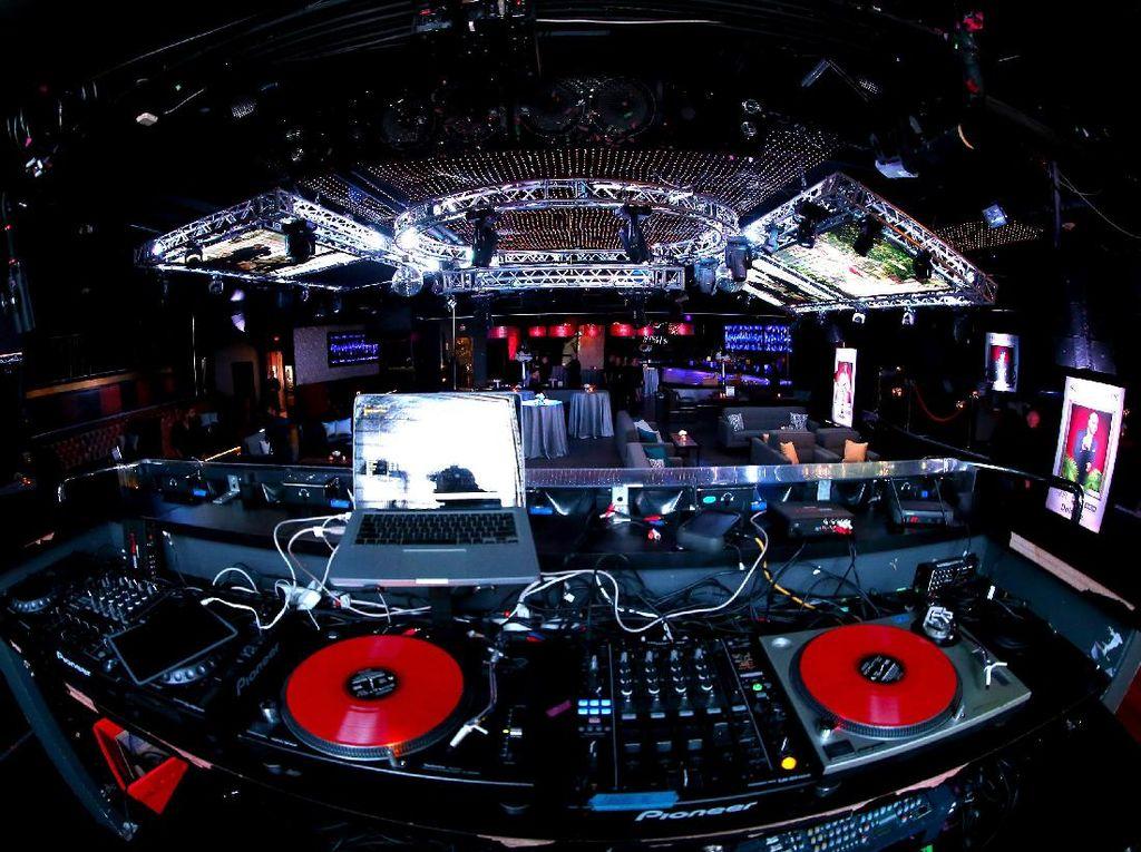 Tapi anehnya, yang terkenal malah lagu-lagu dari DJ asing. Foto: Ilustrasi Musik Elektronik (Getty Images)