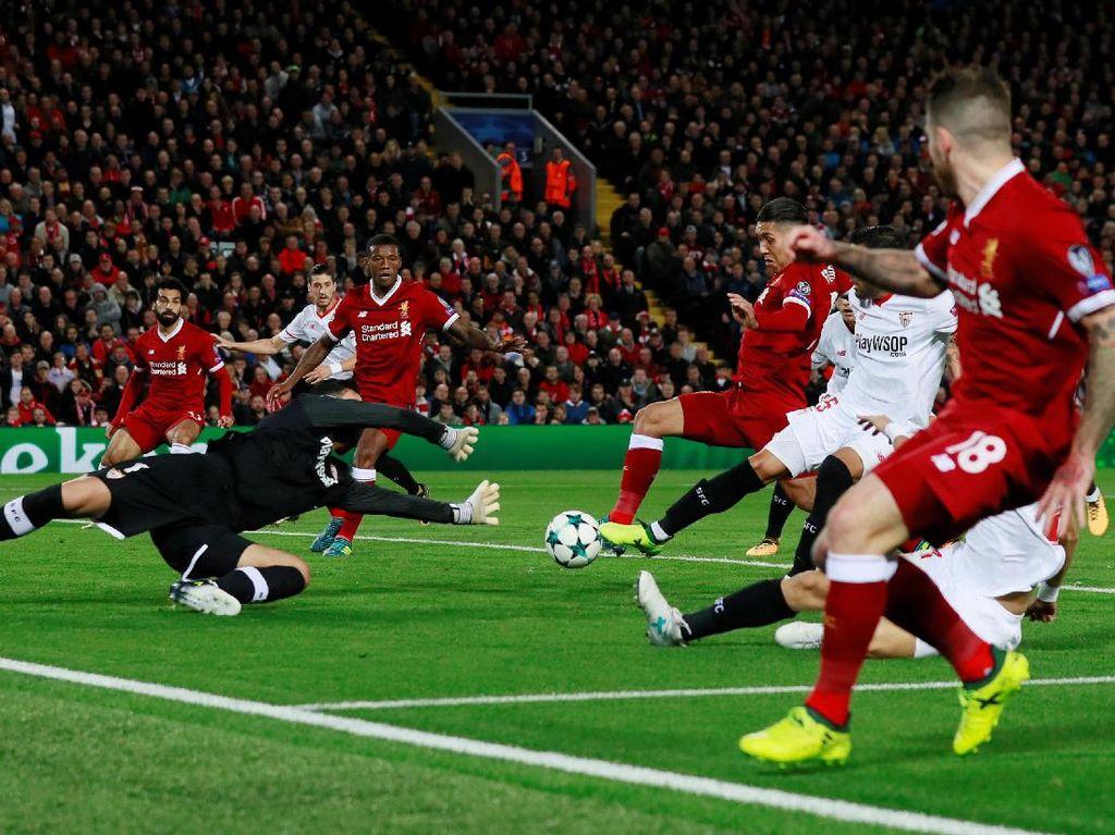 Butuh 16 menit untuk Liverpool merespons melalui gol Roberto Firmino lewat skema serangan cepat nan apik. (Foto: Jason Cairnduff/Action Images via Reuters)