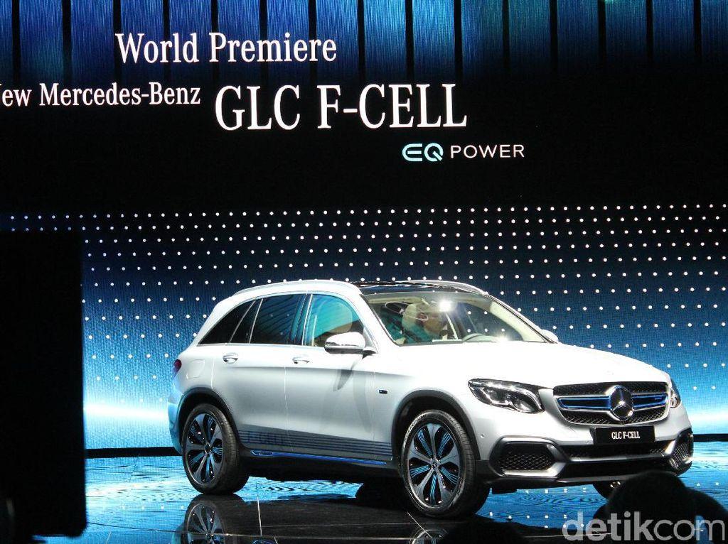 Pada pameran Frankfurt Motor Show, Mercy memamerkan deretan mobil-mobil ramah lingkungan salah satunya adalah GLC F-Cell.Foto: AN Uyung Pramudiarja