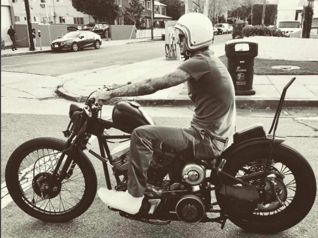 Machonya David Beckham Kendarai Motor Klasik