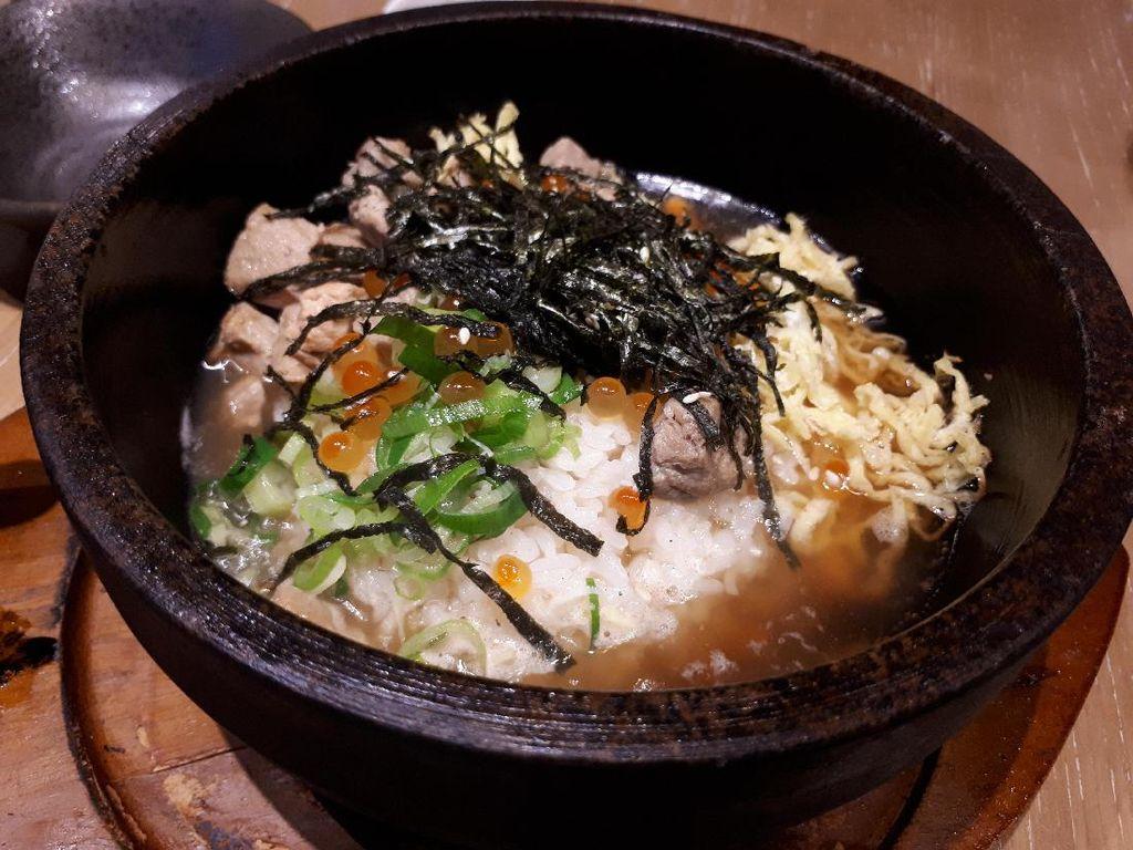 Hokkaido Izakaya: Gurihnya Soba Saus Wijen Hitam dan Nasi Topping Seafood Hokkaido