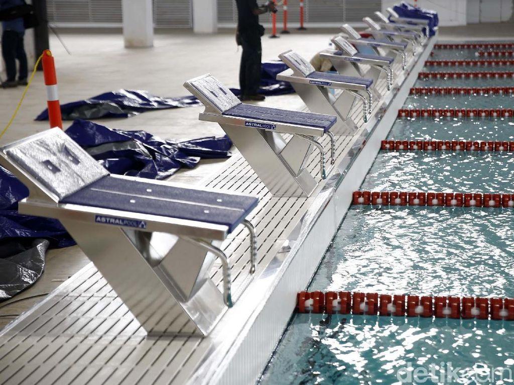 Ukuran dari kolam utama di Stadion Akuatik SUGBK diubah. Kolam utama harus memiliki ukuran 50 meter x 23 meter dengan kedalamannya 3 meter. Nantinya, kolam utama itu akan memiliki 10 lintasan.