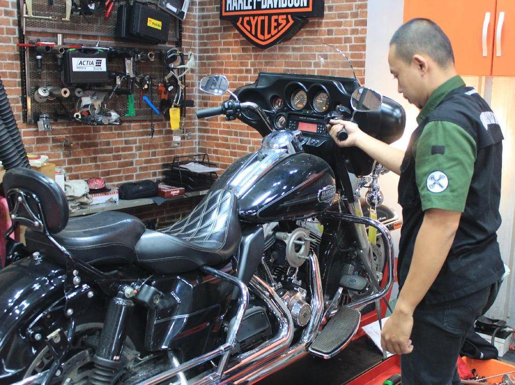 Takut memiliki Harley-Davidson akibat harga beli yang tidak murah, pastinya juga banyak yang berpikir tidak mudah untuk merawat motor besar seperti Harley-Davidson. Foto: Khairul Imam Ghozali