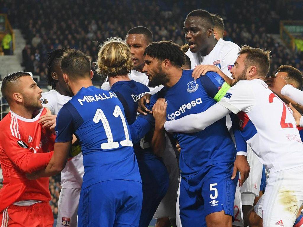Ribut-Ribut Pemain Everton dan Lyon di Goodison Park