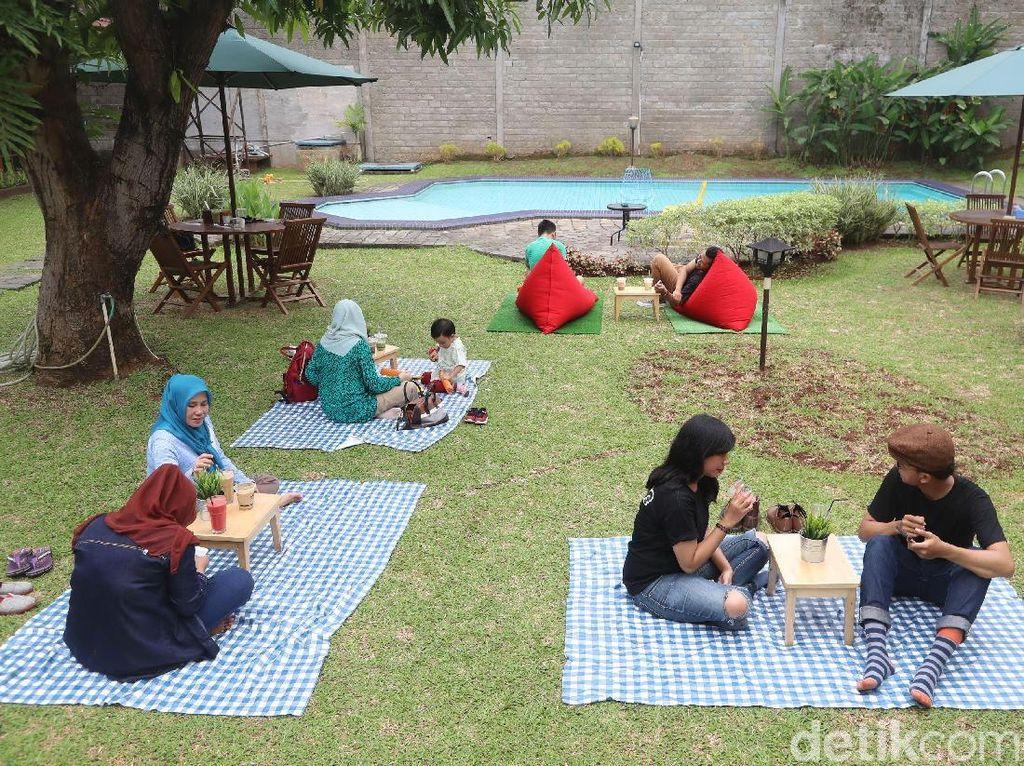Serunya Menikmati Kopi Susu Sambil Piknik di Kopi Gawe