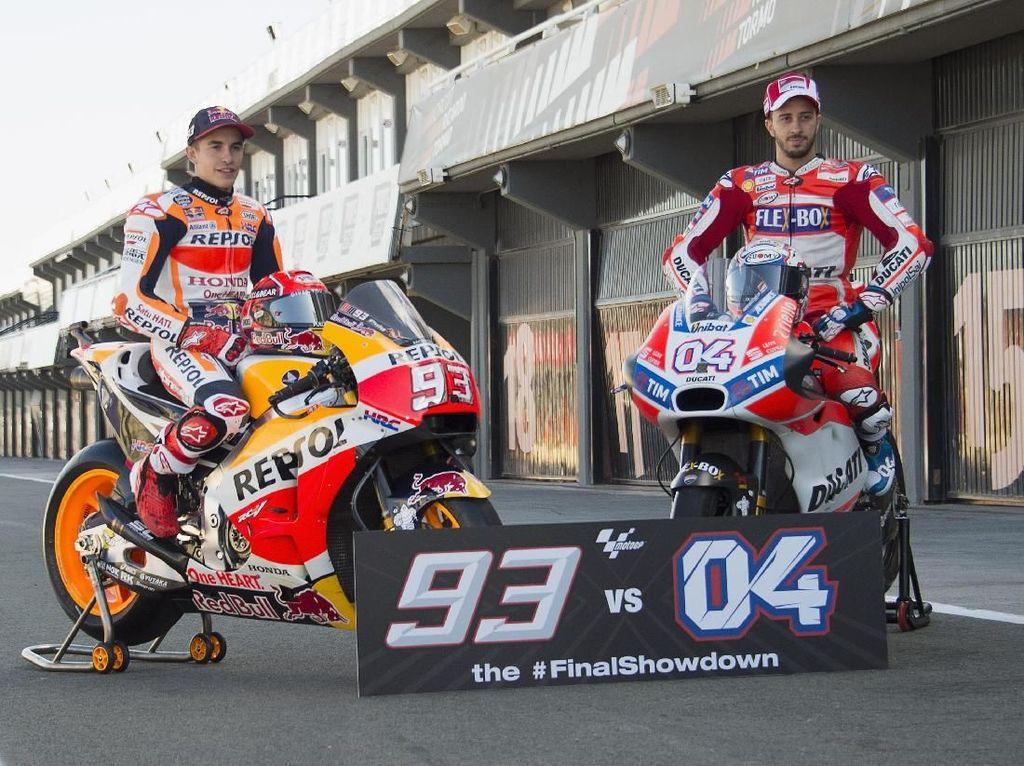Setelah 17 balapan terlewati di musim ini, persaingan menjadi juara dunia MotoGP tinggal menyisakan dua pebalap: Marc Marquez dan Andrea Dovisiozo. (Mirco Lazzari gp/Getty Images)