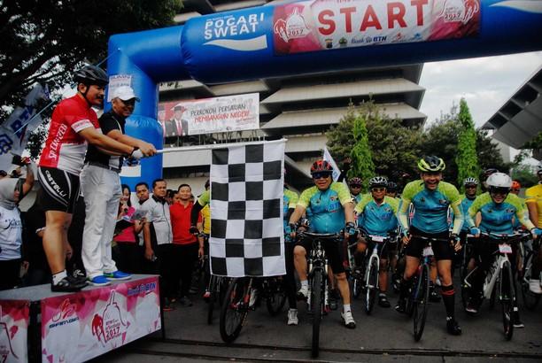 6.000 Pesepeda Ramaikan Tour de Borobudur
