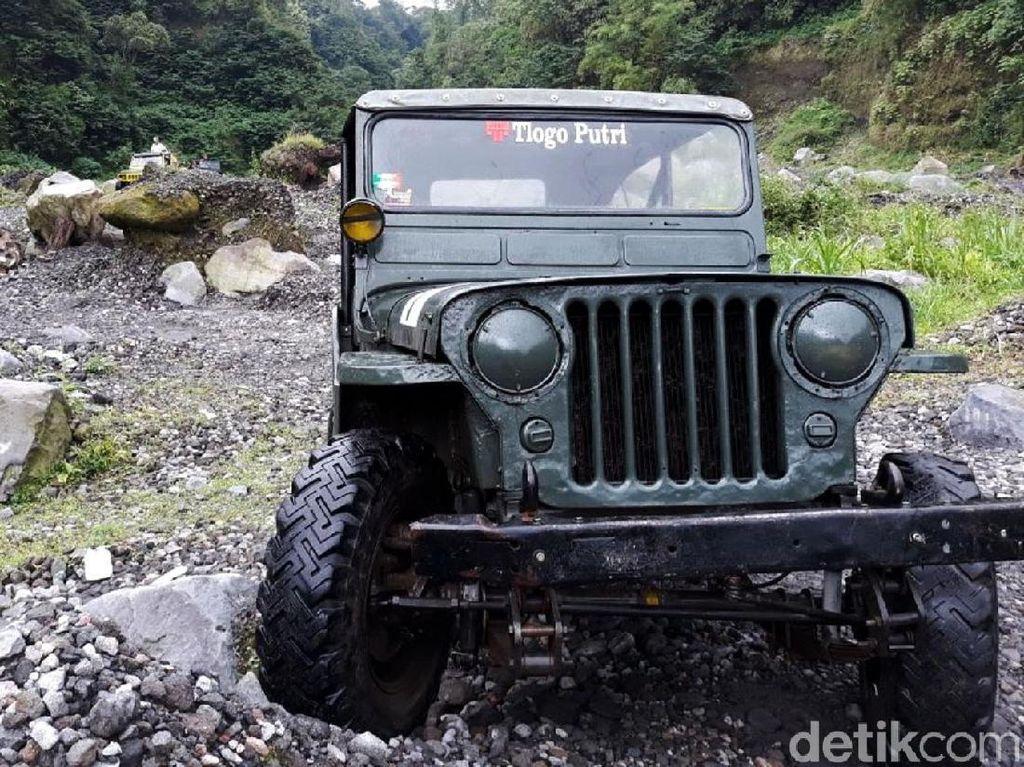Jelajah Gunung Merapi dengan Jeep Willys