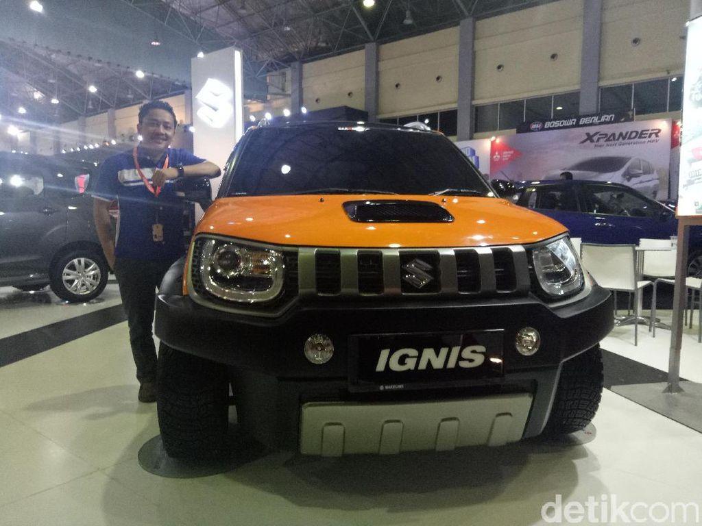 Manager Mega Putra Suzuki Mobil, Ricky Wijaya mengatakan Suzuki Ignis ini telah dimodifikasi sebelumnya. Foto: Ibnu Munsir